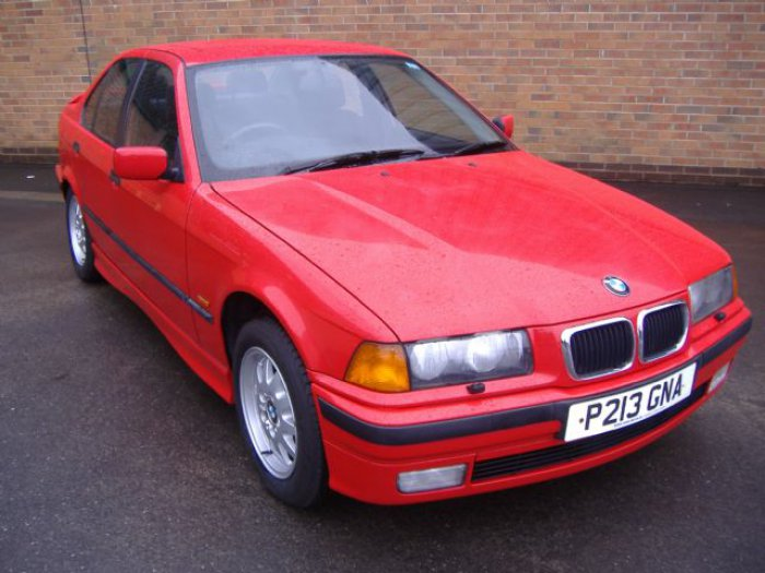 BMW 3 Series 1.8 318i Se Saloon Petrol Red